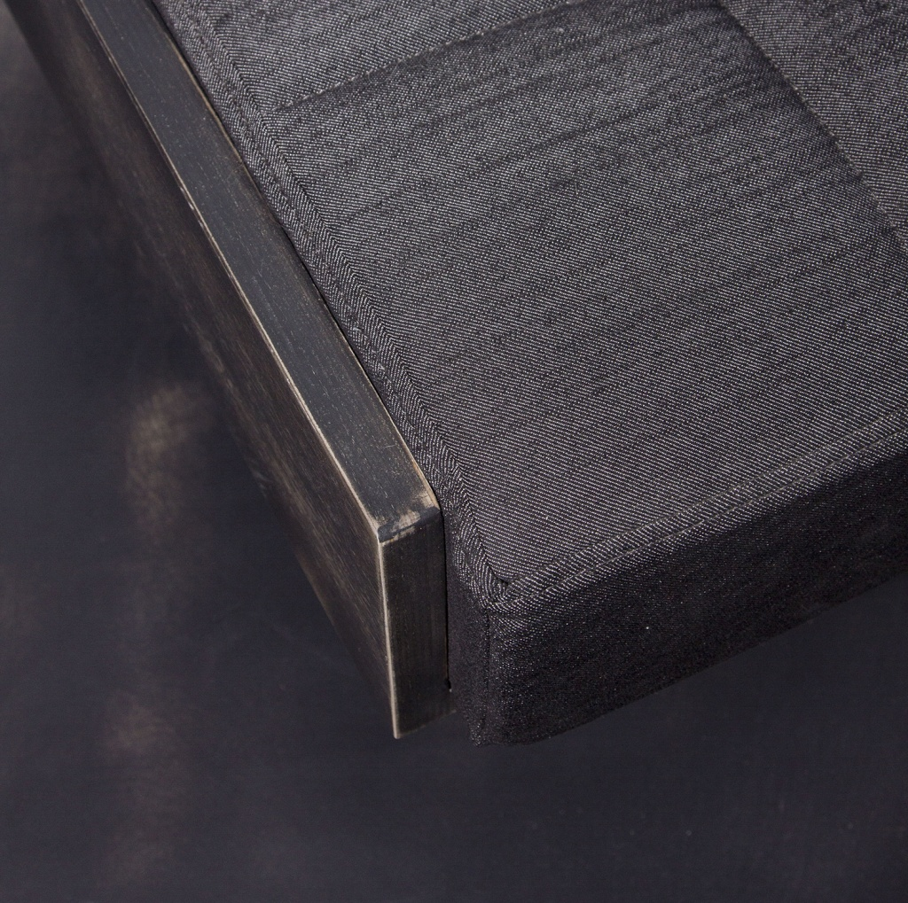 denim_sofa_detail_2_1500.jpg